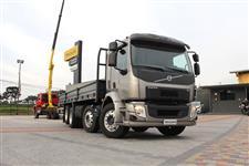 Caminhão Volvo VM 330 8X2 ano 15