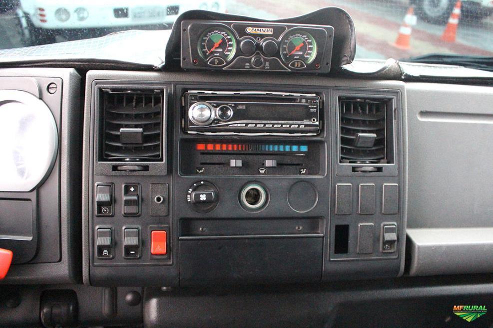 Caminhão Ford C 815e ano 11