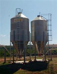 Silos para armazenamento de grãos e ração