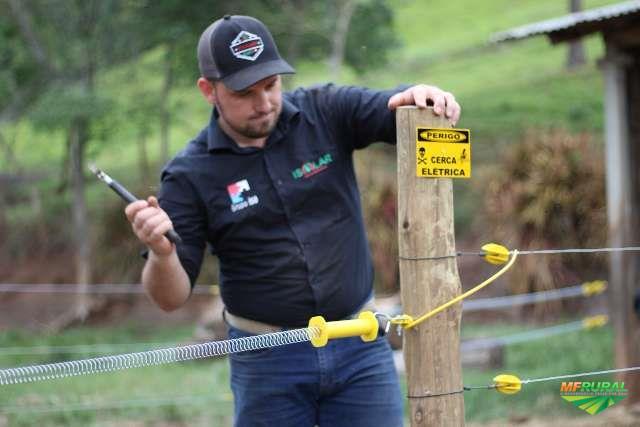 Curso Profissional de Cerqueiro - Instalando Cerca elétrica Rural