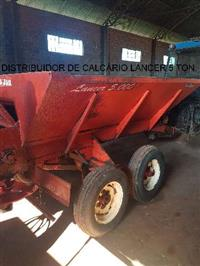 DISTRIBUIDOR DE CALCÁRIO JAN LANCER 5000 - ANO 2002