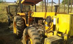 Trator Autocarregável 118 4x4 turbinado com equipamento motocana MKF4060