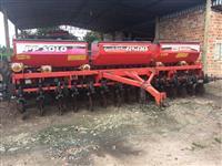 Plantadeira Baldan 15 linhas Speed box 6500 (2012)