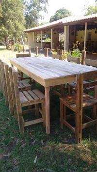 Mesas e Cadeiras rusticas