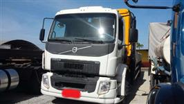 Caminhão Volvo vm 270 6x2 ano 14
