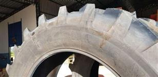 Vendo pneu Agrícola 620/70R46
