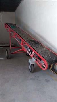 Esteira com 5 metros, roda para os 2 lados, regulagem de altura mecânica - Zerada