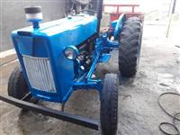Trator Ford 4x2 ano 60