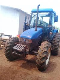 Trator New Holland TL 80 4x4 ano 02
