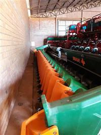 Plataforma de milho Stara Brava Elektra 11990 24 linhas