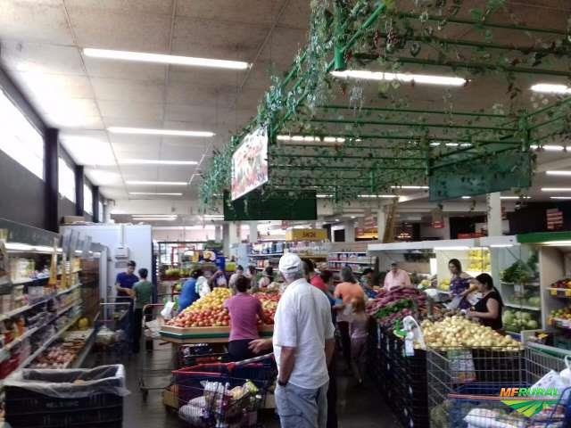 2 supermercados a venda