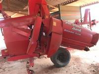 Colhedora de grãos JM 390
