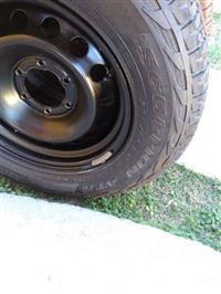 Pneu 265/65r17 com roda