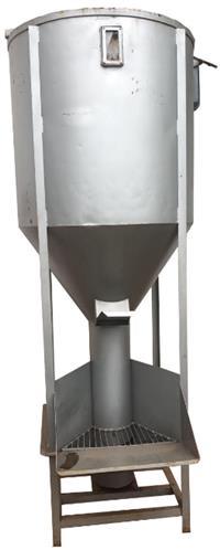 Misturador de Ração Vertical 1200 Lt ou 600 Kg Ração Farelo Sal Com Motor 5CV