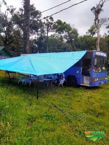 Transporte de equinos, frete compartilhado e particular com base para acampamento e outras soluções