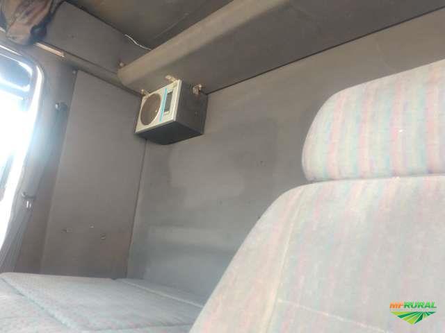 Caminhão Ford 4030 ano 02
