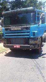 Caminhão Scania 124 420 ano 06
