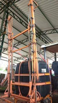 Pulverizador Condor 600 lts Marca Jacto Com Barra de 12 mts