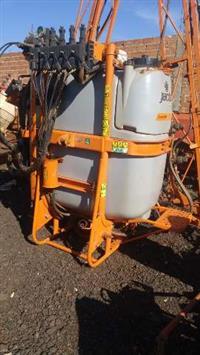 Pulverizador Jacto Condor 800 Litros AM 14 - Hidráulica Ano 2013