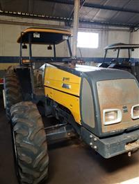 Trator Valtra/Valmet BM 120 4x4 ano 02