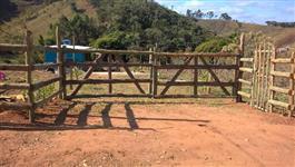 Lindo Sitio terra boa para plantio e muita água