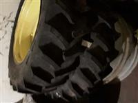 Roda e pneu 12.4-24 trator 5095 e 6110j da John Deere