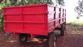 Carreta agrícola com sobre caixa