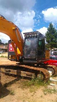 Escavadeira Hyundai com cabeçote LOG MAX 5000