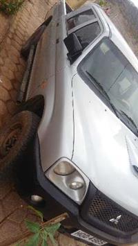 Troco pickup Mitsubishi L200 em Milho