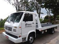 Caminhão Volkswagen (VW) VW 8140 motor X10 MWM. Guincho Plataforma e Asa Delta ano 00