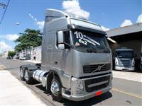 Caminhão Volvo FH 440 ano 13