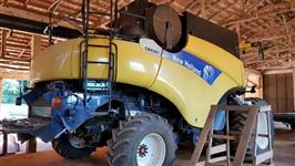COLHEITADEIRA NEW HOLLAND CR 9060