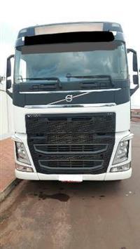 Caminhão Volvo FH 540 ano 16