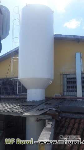 Manutenção de reservatórios metálicos.