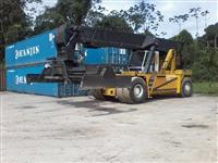 Empilhadeira Reach Stacker