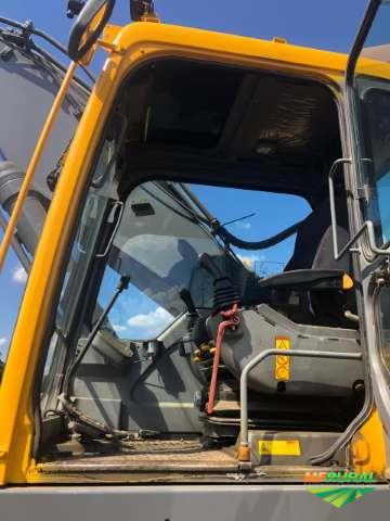 Escavadeira Volvo 360