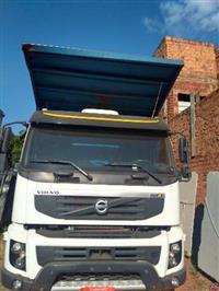 Caminhão Volvo Fmx 500 plataforma ano 14