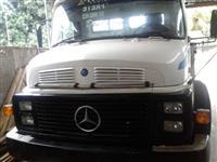 Caminhão Mercedes Benz (MB) 1113 ano 83