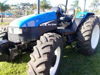 Trator New Holland TL 85 E 4x4 ano 02