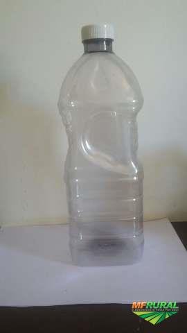 Embalagens e garrafas em PET