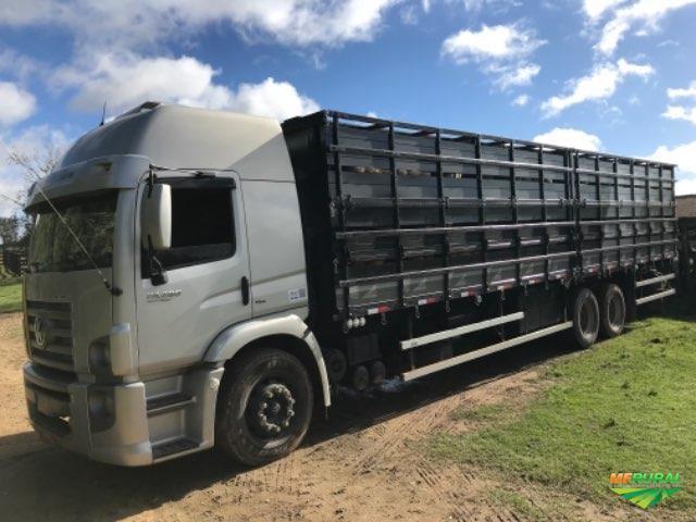 Frete caminhão boiadeiro 10,50 mtrs