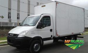 Caminhão Iveco 35S14 ano 2013 por 69.000,00