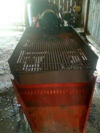 Máquina debulhadora de pinhão
