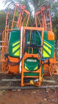 Pulverizador Panter 900L, 18m.