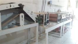 Maquina de fabricar tapete higiênico para cães