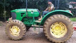 Trator John Deere 5078 4x4 ano 13
