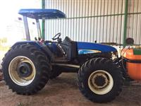 Trator New Holland TL 85 E 4x4 ano 07
