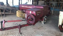Enfardadeira New Holland 271