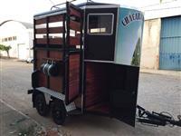 trailer reboque carretinha transportar cavalos