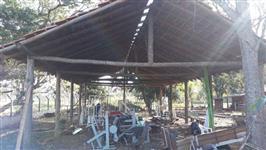 barracão em eucalipto tratado e telhas
